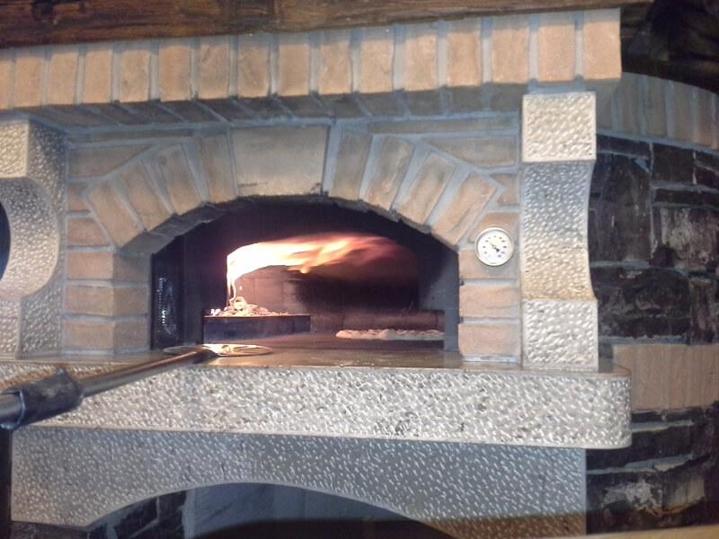 Pizze iz krušne peči - Gostilna Zupančič